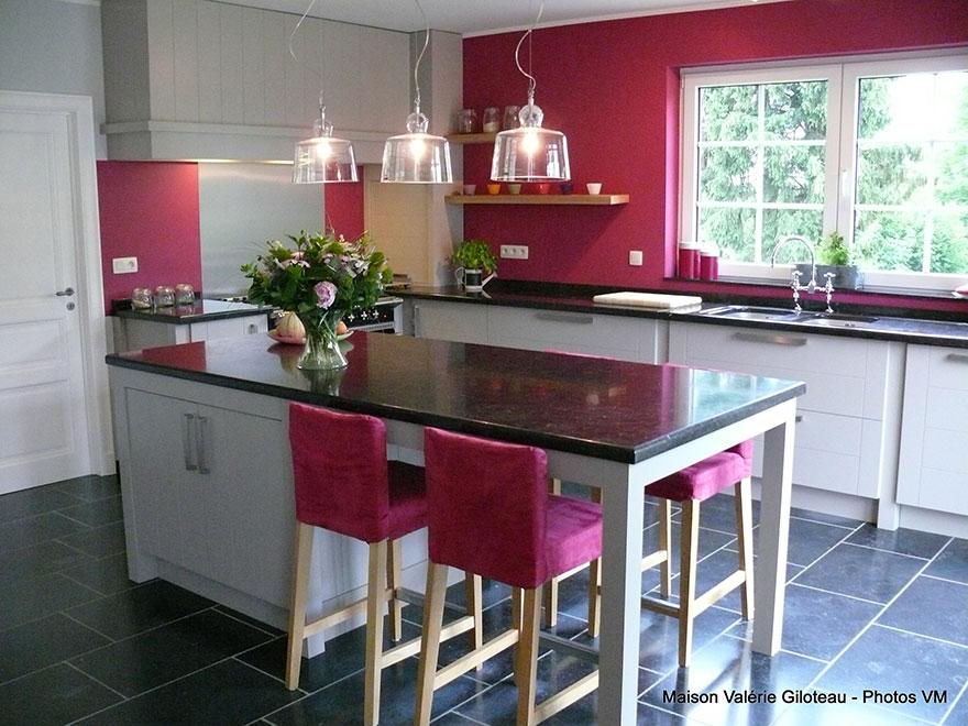 Maison valerie meuble related images meubles gain de for Meuble tv gain de place